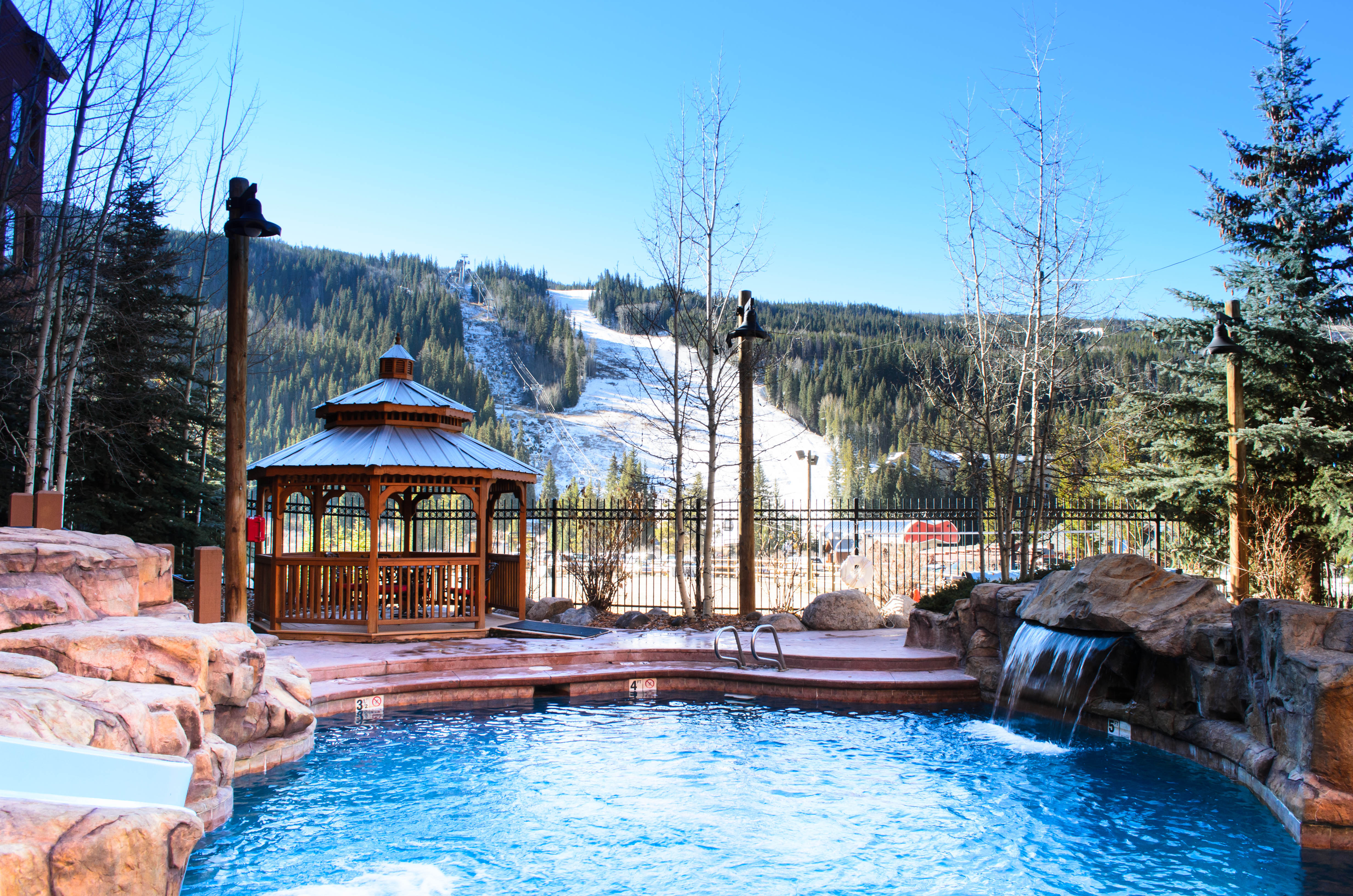 springs-pool-ski-slope-2